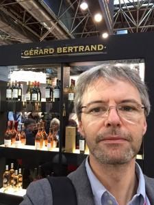 Am Stand von Gérard Bertrand